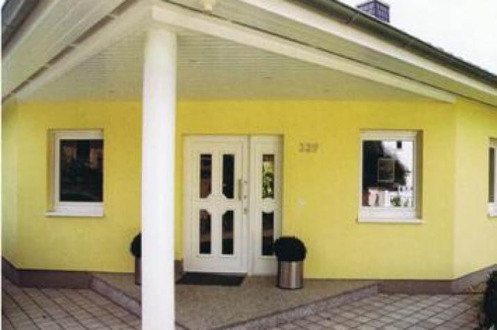 ... individuell geplant ! - Bungalow mit außergewöhnlicher Formgebung über Eck - www.jk-traumhaus.de - vorschau
